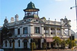 Guilford Hotel, cnr James and Johnson Sts